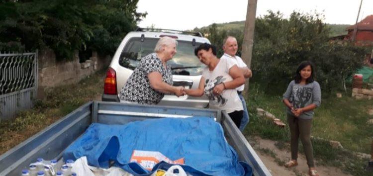 100 paketa humaniratne pomoći podeljeno zavaljujući saradnji NVO ROSA-TEARFUND