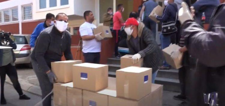 Podela humanitarnih paketa u Nišu